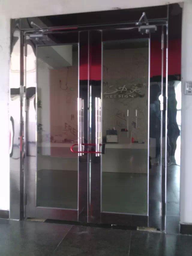 广州玻璃防火门