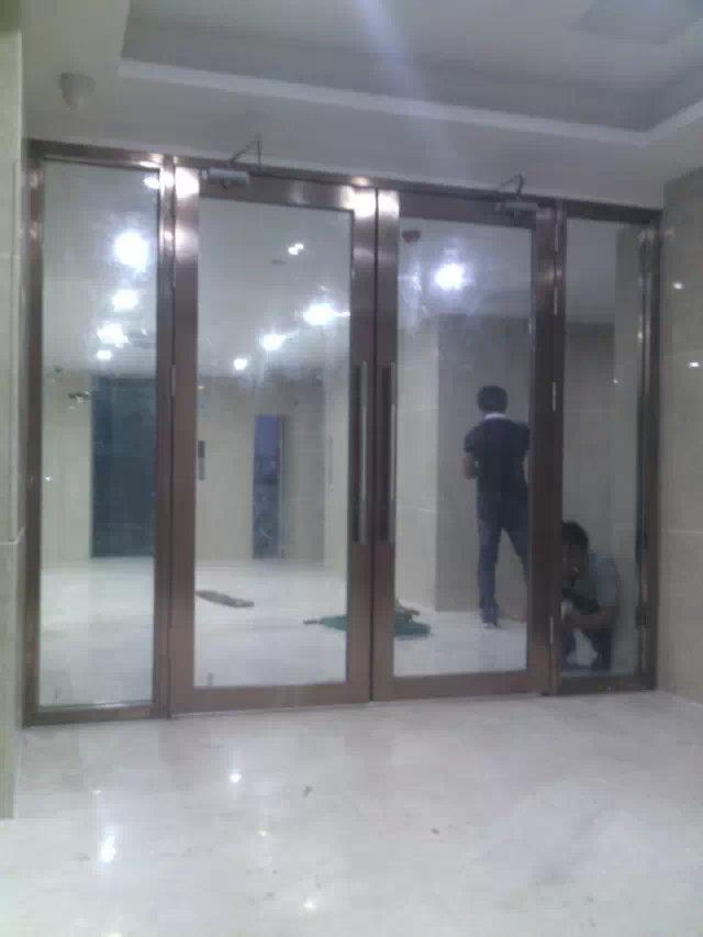 深圳市玻璃防火门