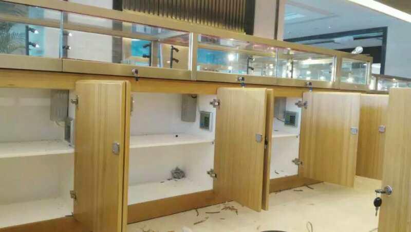 南昌銀行貴金屬展廳24套刷卡密碼門禁系統
