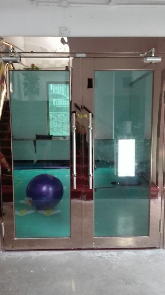 石岩不锈钢玻璃防火门